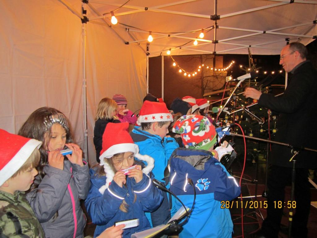 MuHa-Auftritt_Weihnachtsmarkt2015_2015_01